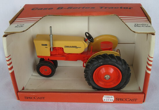 CASE 400 TRACTOR - 1/16 SCALE NEW IN BOX