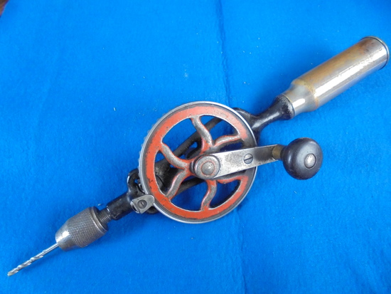 """VINTAGE """"KEEN KUTTER"""" HAND CRANK DRILL - USABLE"""