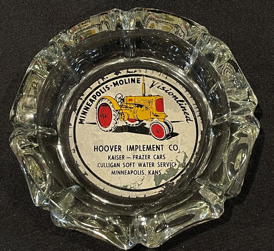 """HOOVER IMPLEMENT CO. """"MINNEAPOLIS-MOLINE"""" ADVERTISING ASH TRAY"""