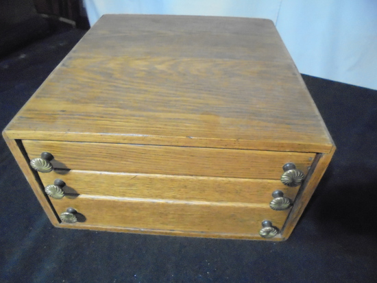 VINTAGE 3 DRAWER OAK CABINET-NICE SIZE AND WILL SHIP