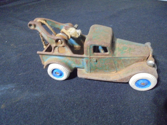 """OLD """"ARCADE TOY"""" WRECKER TRUCK-CAST IRON WITH ARCADE MARKED TIRES"""