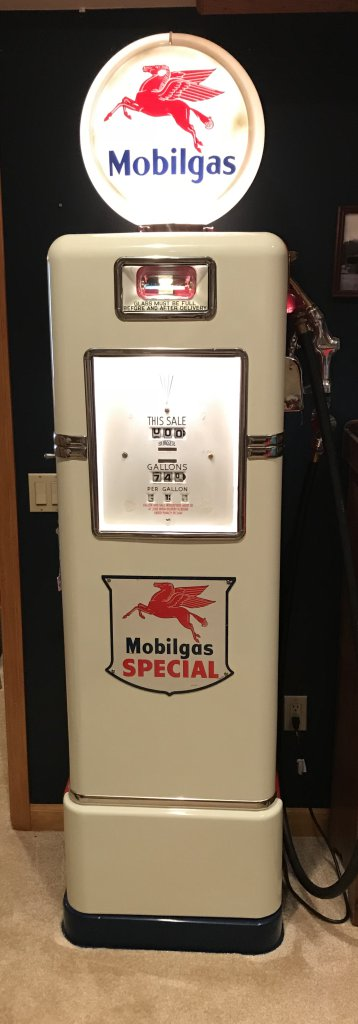 Restored MOBIL Bowser 575 Gas     Auctions Online | Proxibid