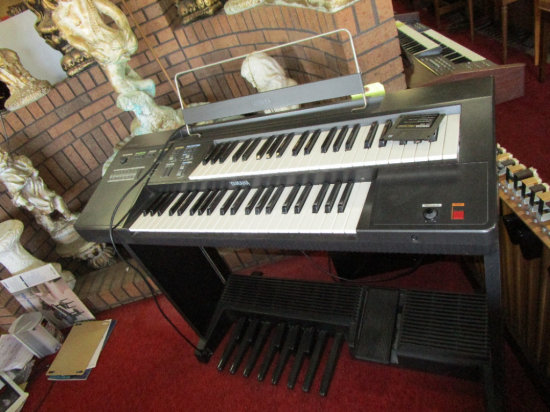 Yamaha Electone ME-10 Digital Piano