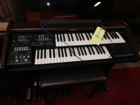 Technics En2 Digital Piano with bench