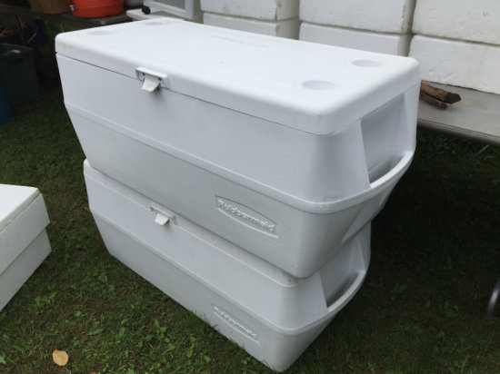 (3) Rubbermaid Coolers