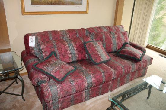 2 Cushion Alexvale Sofa