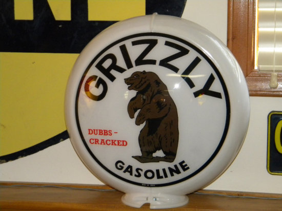 """Grizzly """"Dubbs Cracked"""" Gasoline Lens Gas Pump Globe marked 84"""