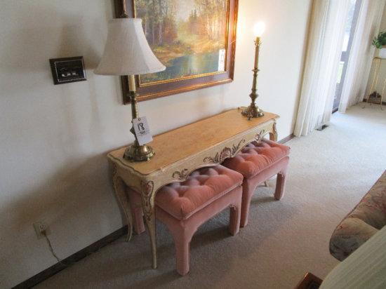 Sofa Table, 2 Lamps, 2 pink stools