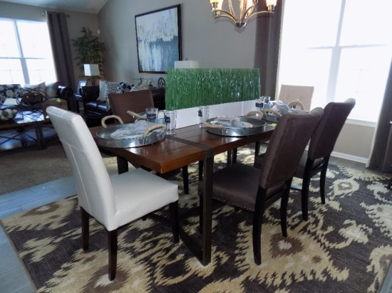 Calmart International Table And Chairs