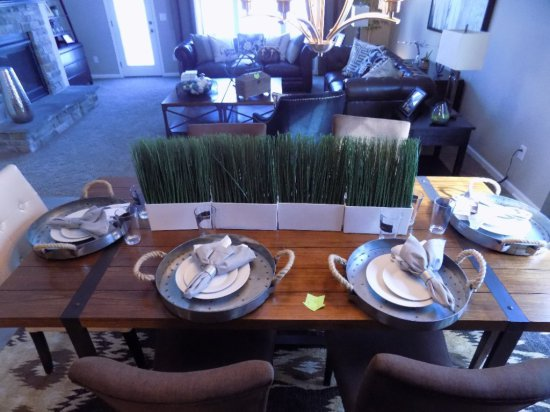 Service For (6) Studio China Table Setting And Center Pieces