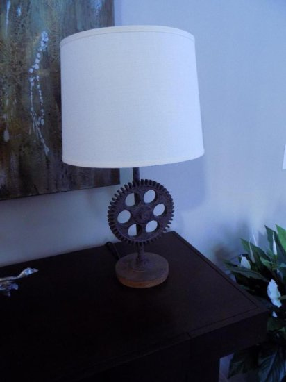 Gear Style Table Lamp And Decor