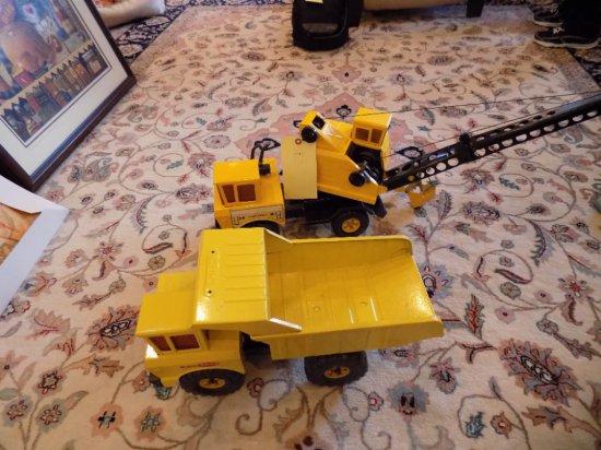 (2) Tonka metal truck toys