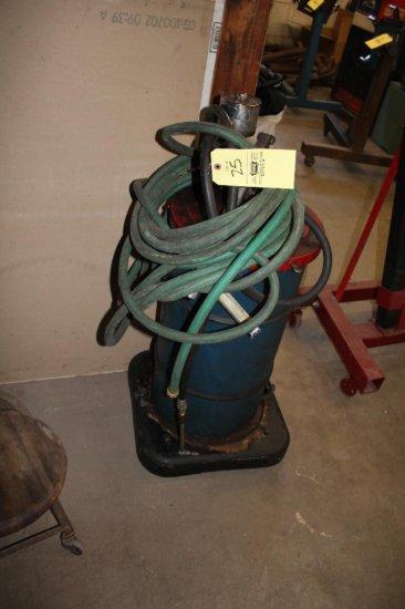 Pneumatic Grease Pump w/ Garden Hose