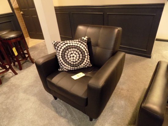 Leather arm chair with pillow