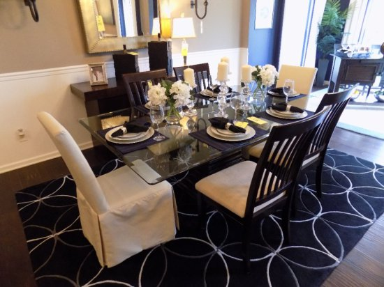Glass top dining room table with (6) chairs