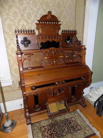Palace Pump Organ