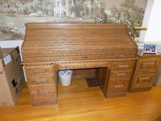 Oak finish roll top desk