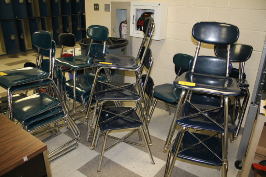 32 Chairs