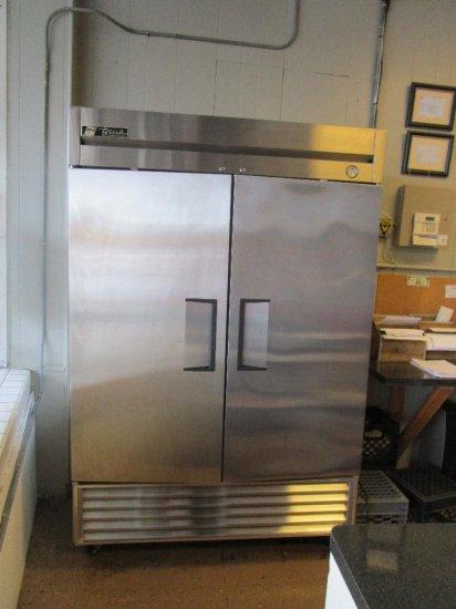 """True mod. T49 double-door refrigerator 55""""wide"""