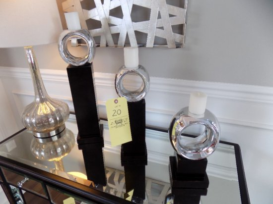 Graduated set of candle holders