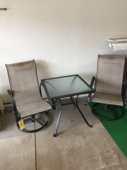 Swivel Chairs/Picnic Table