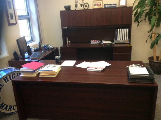 Modern 4-piece desk set