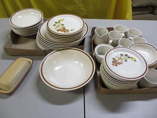 Sunnybrook Dish Set