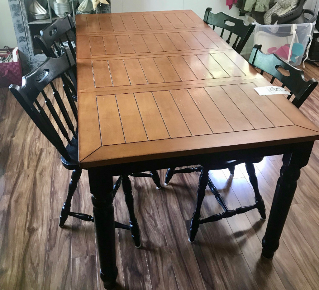 6' Table & (4) Arrowback Chairs