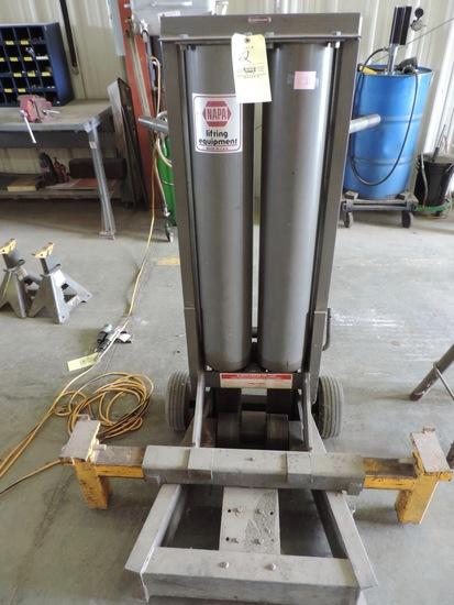 NAPA 91-692 Pneumatic 7-Ton Lift