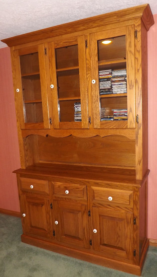 Nice Modern Solid Oak Two-Piece Hutch
