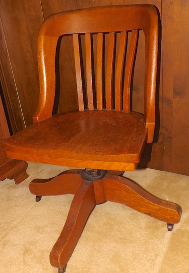 Antique Oak Swivel Desk Chair. Canton, Ohio Pickup