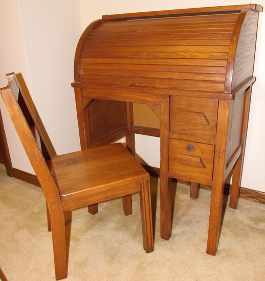 Antique Oak Youth C Roll Top Desk With Chair. Canton, Ohio Pickup