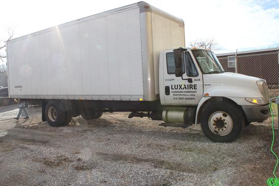 Box Truck - Industrial Machines & Tools - 13732