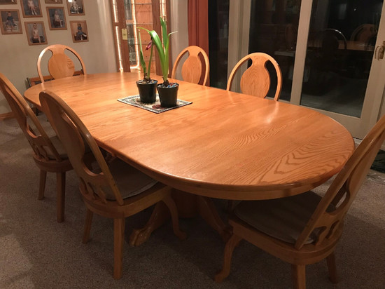 Honey Oak Oval Top Table With 8 Chairs