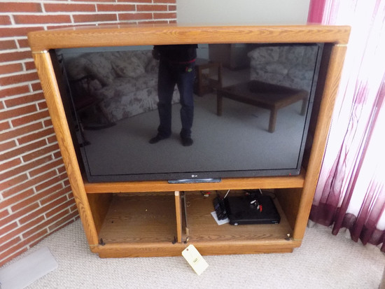 LG LED TV With Slide In Oak TV Console Unit