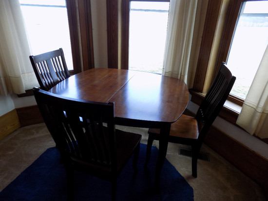 Modern Table With 4 Chairs