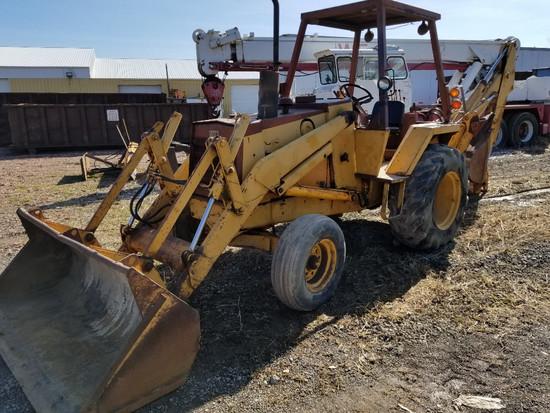 """Case 580C Backhoe, 16"""" Bucket, Diesel, Power Shuttle, Clean"""