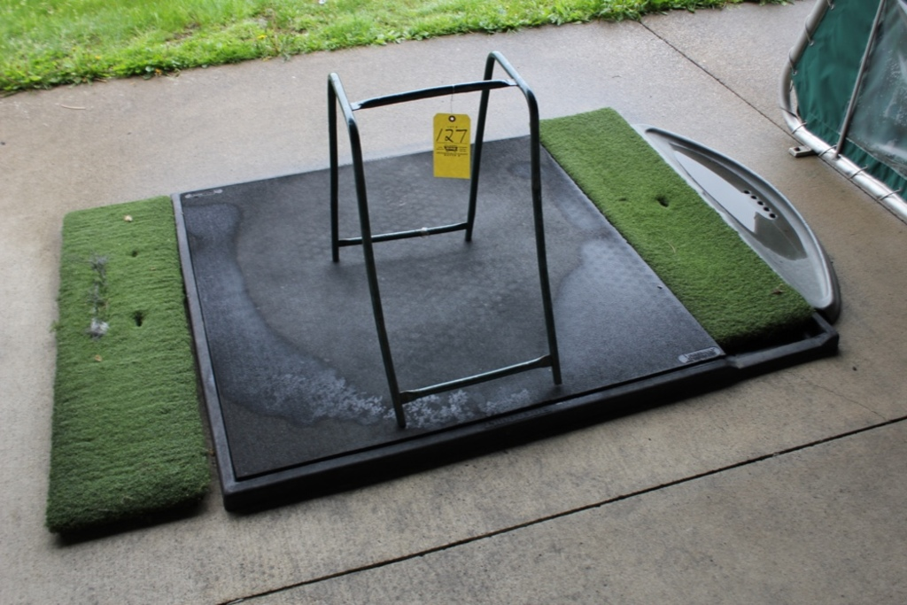Golf Mat & Bag Stand