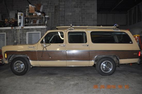 1975 Chevrolet 3/4-Ton Suburban