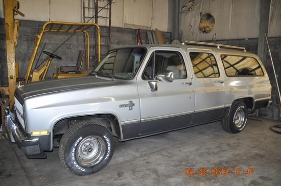 1981 Chevrolet 1/2 -Ton Suburban
