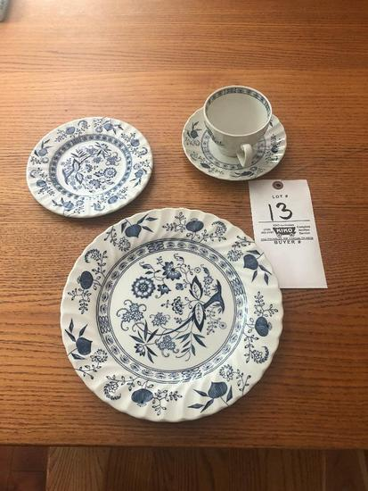 Blue Nordic China Set