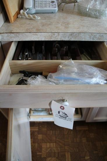 Flatware, Pots & Pans, Toaster, Bakeware, Cheese Grater, George Forman Grill