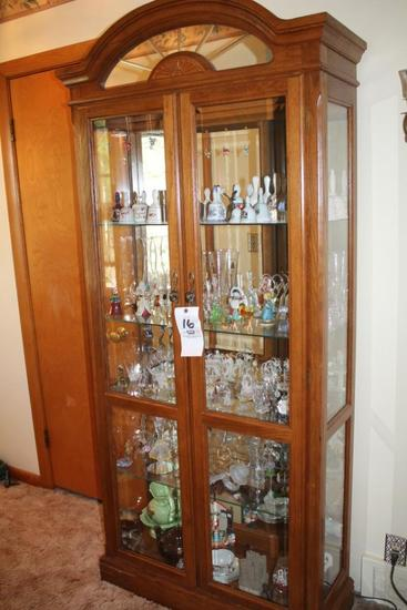 Mirrored Back Oak Currio Cabinet (Contents not Included)