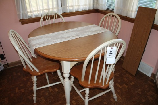 Dining Table w/ 4 Chairs and Extra Leaf