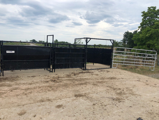 HerdPro Cattle Sweep System And (5) 12' Gates