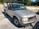 2000 GMC Sonoma 5 spd. Truck, 88K mi.