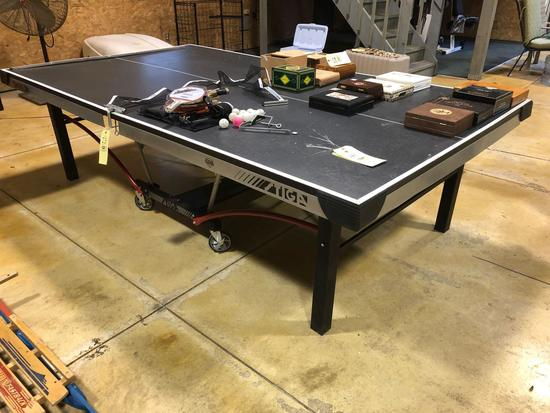 Stiga Master Series Ping Pong Table & Accessories