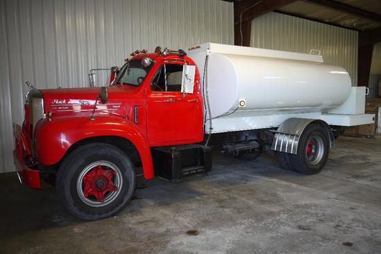 1962 Mack B-61 Thermodyne Truck