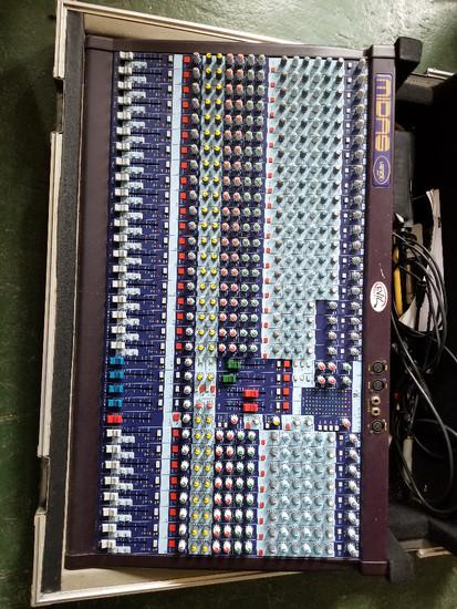 Midas Venice 320 mixing console