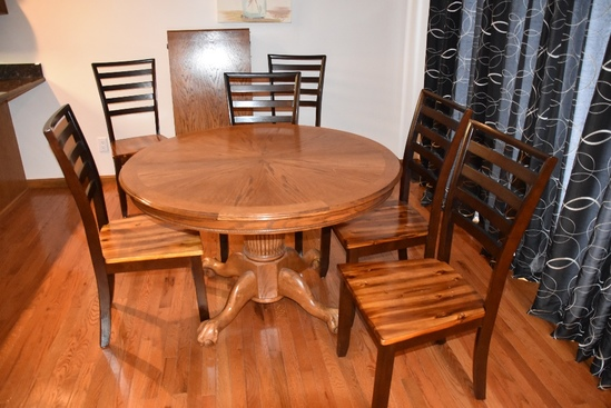 Oak Round Pedestal Dinette Table